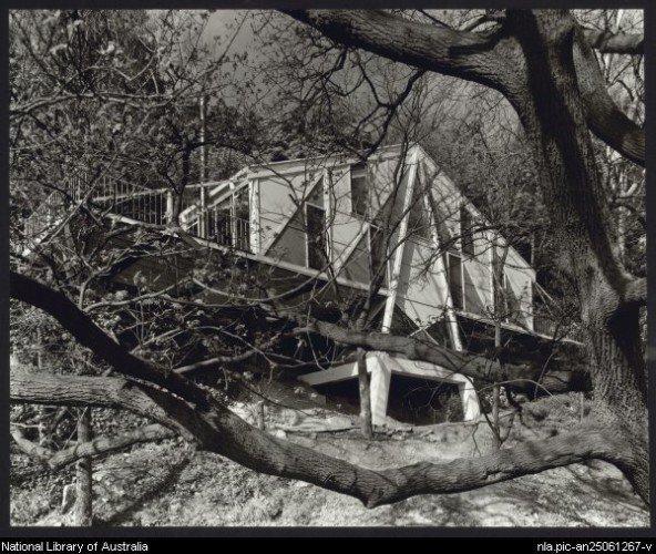 Contemporary Australian Home Architecture On Yarra River: VIC - Docomomo Australia